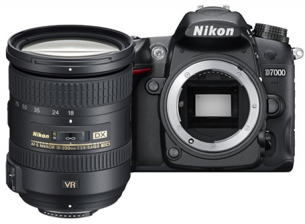DIGITALNI FOTOAPARAT NIKON D7000 kit 18-200mm